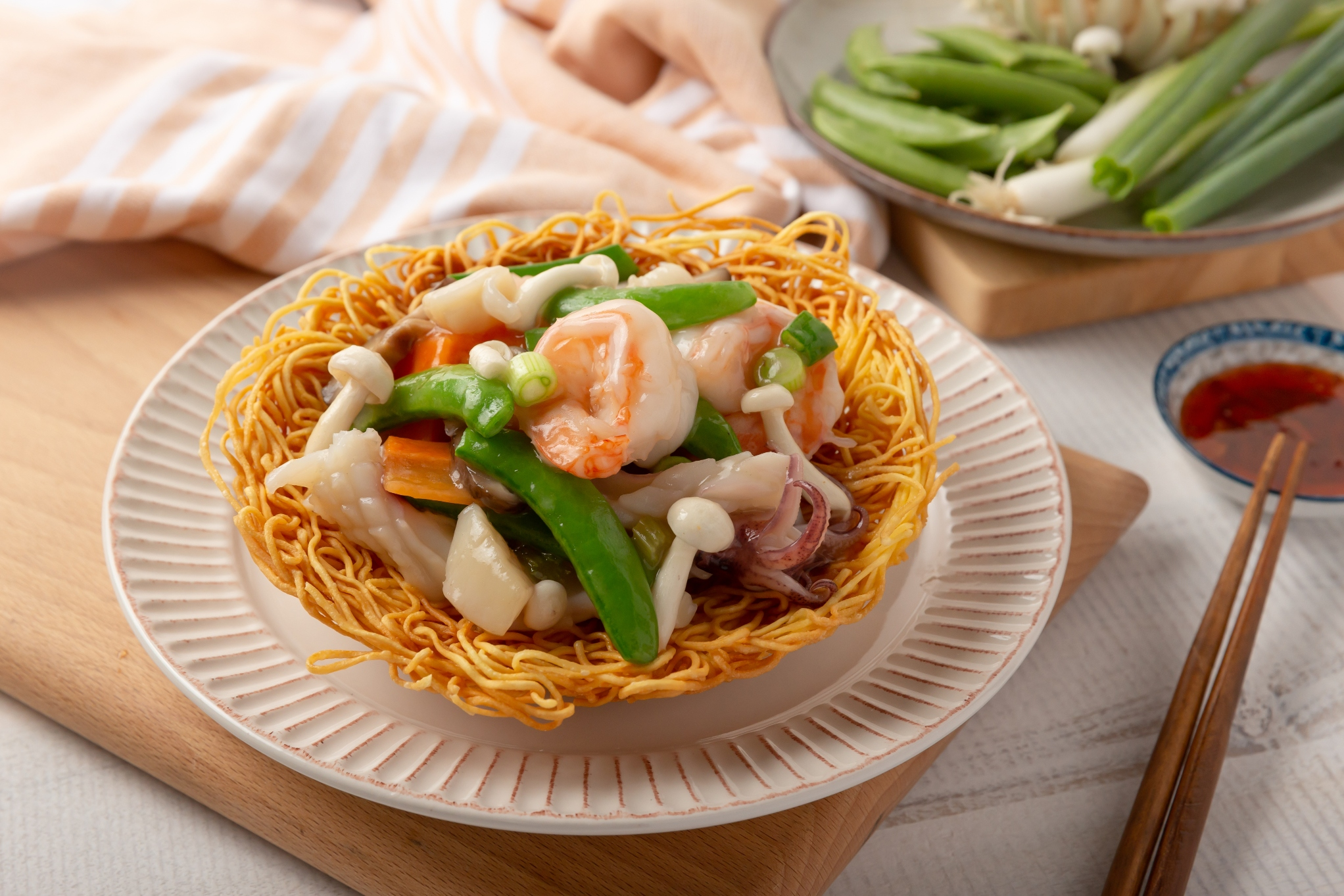 Pan Fried Noodles Cake with Seafood