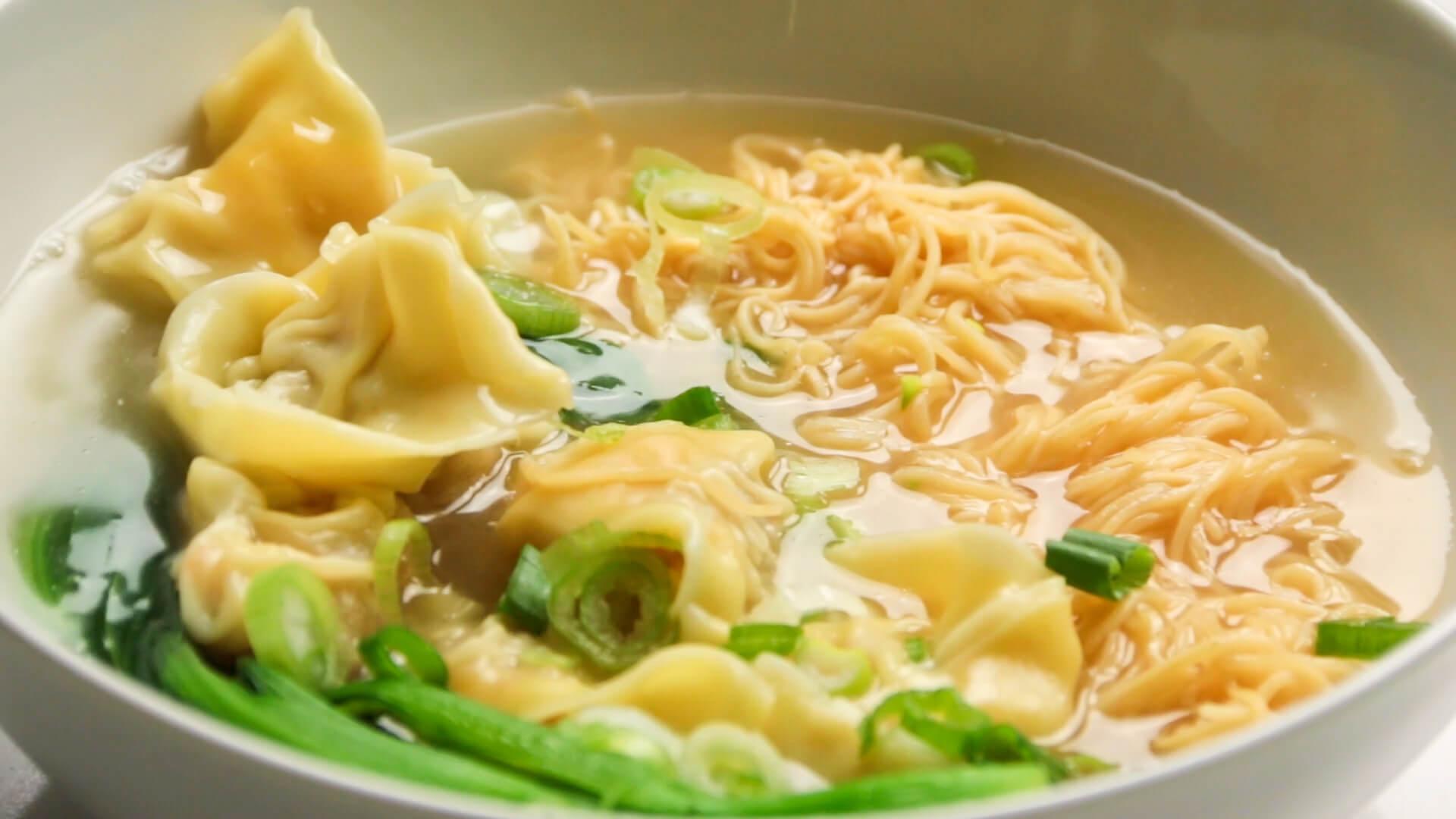 Classic Cantonese Wonton Noodle Soup 1